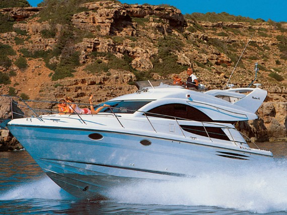 Bareboat Motor boat Fairline Phantom 40 Fair Play (Jet ski - option with extra charge) - détails