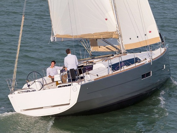 Bareboat Sail boat Dufour 382 GL Major Tom - BT - détails