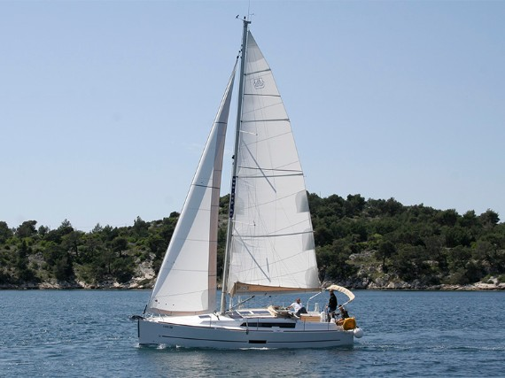 Bareboat Sail boat Dufour 350 GL Luka (webasto, solar panel, additional water tank, shallow draft) - détails