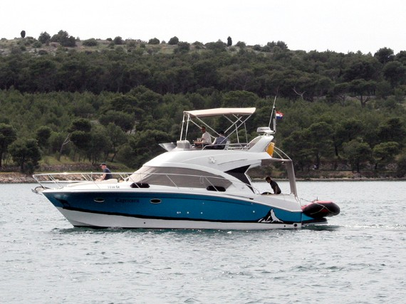 Bareboat Motor boat Beneteau Antares 36 Capricorn (AC, Generator, Bowthruster, Sterntruster) - détails